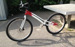 """Neon Bow Trialbike 26"""""""