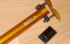Tune Sattelstütze Starkes Stück 27,2 gold  + Carbon-Wippe vom Schwarzes Stück seat post