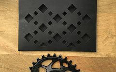 Absolute Black 28T Oval Race Face Cinch Chainring