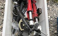 Verschiedene Ersatzteilkiste 24 Zoll und Laufradsatz 24 Zoll