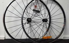 Bontrager TLR Laufradsatz + Conti 4000
