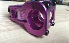 Deity  Cavity 50mm 31,8 mm Klemmung, purple