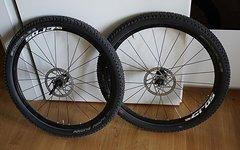 """Mavic CROSSONE 26"""" Laufradsatz mit Reifen und Scheiben"""