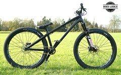 Dartmoor Two6 Player schwarz matt Custom Dirt / Street Pumptrack-Bike Rock Shox Pike DJ, Spank ,Sram,Chromag,VEE