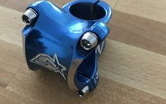Spank Spike Race Stem,Vorbau,blau,35mm lang,1/18,top