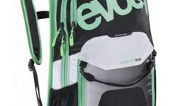 Evoc Stage Team 12 L Daypack Rucksack AIR FLOW CONTACT SYSTEM TOP grün weiss schwarz, Mit Rechnung vom 23.03.2016