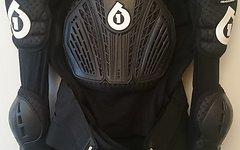 661 SixSixOne Rage Pressure Suit Protektorenjacke, Größe M, Top-Zustand