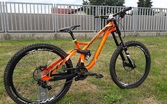 NS Bikes Fuzz custom flou orange