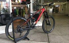 Kellys Bicycles Eraser 2016 Carbon Rahmen inkl. Fox Float X Performance *Nagelneu mit Rechnung* -50 Prozent Rabatt *SALE*