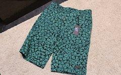 Sombrio Girls Shorts M *Lagerverkauf*