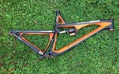 Intense Carbine 29C, Größe L, schwarz-orange