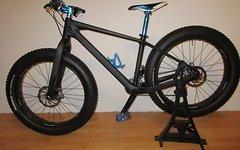 Custom Carbon Fatbike Wow Custom Carbon Fatbike. Nur 12,8 KG. 0,0 KM. Nagelneu !!!