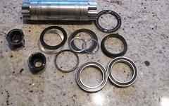 Cannondale Rennrad Hollowgram Achse/ Welle/ Spindle/ Schrauben BB30 104mm inkl. Lager