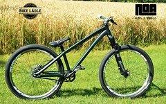 Dartmoor Two6Player schwarz matt Custom Dirt / Street Pumptrack-Bike Rock Shox Yari, Spank Subrosa ,Sram,Chromag,VEE