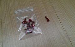 10X Aluminium Schrauben - Rot eloxiert - M5x16 - 1g/Schraube - Neu - z.B. für Flaschenhalterung