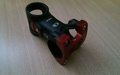 Crankbrothers Iodine 2 Vorbau - 65 mm - 31,8 mm - Schwarz Rot