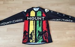 Mount Three Jersey    Trikot