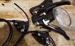 Shimano ST-R685 inkl. RS 805 STI und Bremssättel Hydros Neu
