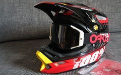100% Aircraft Carbon Helm Bi-Turbo-Red, Gr. L