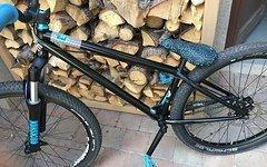 Octane One Void 3.0, NS Bikes Anbauteile, Rock Shox Argyle