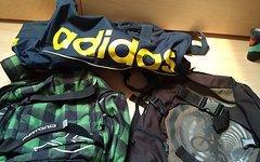 Burton und Adidas Rucksäcke/Tasche