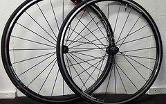 Bontrager TLR Laufradsatz + Bontrager Reifen