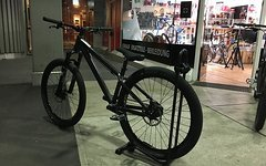 Santa Cruz Jackal Dirtbike *All Black - wie neu*