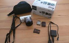 Sony Systemkamera NEX-5R mit Zubehör