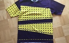 Local Outerwear Trikot - Gr. M - Kurzarm