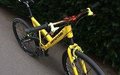 Cannondale V 700 Street Bike mit Carbon Schwinge