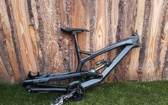 YT Industries YT Tues CF Comp Rahmen 2016 + Float X2 wie neu! Carbon