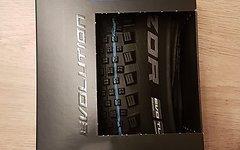 Schwalbe Rock Razor SnakeSkin TL-Easy 27,5x2,35 Addix Speedgrip // Spgrip 650B Tubeless TLE Rockrazor Tire Reifen Semi-slick