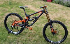 Saracen Myst Carbon Custom Bike mit 2018er FOX 40!