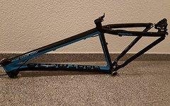 Dartmoor Primal 2015 schwarz/blau M