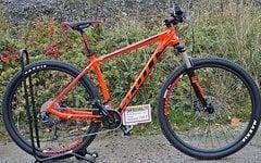Scott Scale 970 oder 770 in neonrot in mehreren Größen Verfügbar, Hammerpreis statt 899 nur 749 €uro !