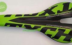 Abverkauf Carbon Sattel *glossy green TXCH* nur ca. 106g Vollcarbon lackiert