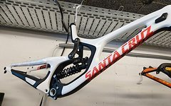 Santa Cruz V10 6.0 CC Large mit Fox DHX2 coil *NEU* nur Rahmen mit Dämpfer
