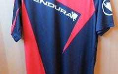 Endura Singletrack II Print Jersey Rot; Größe M ist wie L