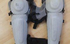 Dainese Knieprotektor Knie- und Schienbeinschützer Protektor Größe L