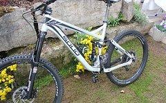 Solid Bikes Magix 650b mit Dämpfer