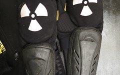 Nukeproof Knie/Schienbein Protektoren