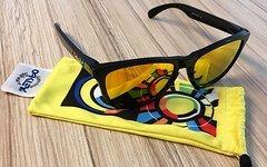 Oakley Frogskins VR46 Sonnenbrille Valentino Rossi Edition
