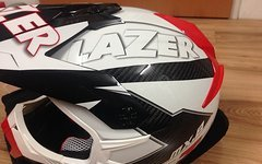 Lazer MX8 Geotech Carbon Helm - NEU