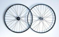 """NS Bikes Fundamental Rotary DH Downhill Laufradsatz 26"""" NEU 20x110mm 12x157mm"""