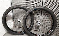 Stans Notubes / Funworks / Dt Swiss Stans No Tubes Hugo 27,5+  Laufradsatz + Reifen + Ersatzreifen
