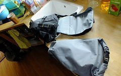 Rose Travel Sattelrohrtasche mit Packsack