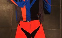 Troy Lee Designs Kombi TLD Moto Shorts + Fly Racing Kinetic Trikot