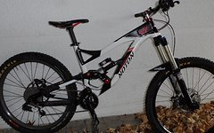 YT Industries Noton Gr. L LARGE mit Lyrik RC2DH Vivid Air R2C X9 Shimano Zee Truvativ Descendant