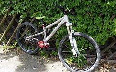 Onooka Slopestyle, downhill, dirt, tour, fr cc am dh Fox saint