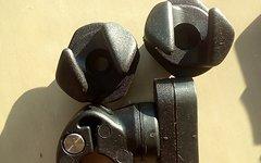 Thule 12mm Hook L/R + Magnet 1 Set